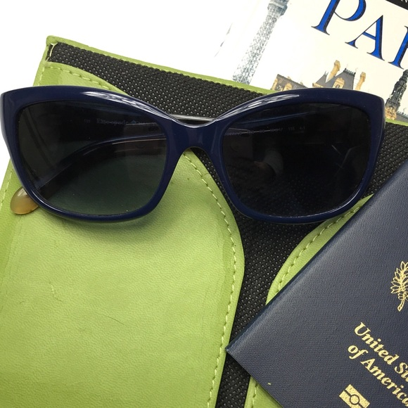 a9f162a60f1e kate spade Accessories - Kate Spade Johanna Navy & Tortoise Sunglasses